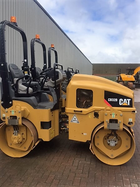 22 aug as new 2014 cat cb32b roller